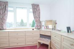 7.bedroom1withen-suite(7).jpg