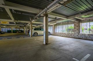 9.parkingspace(2).jpg