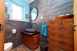 91-DownstairsBathroom&CloakRoom-01.jpg