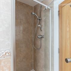 29-ShowerRoomB.jpg