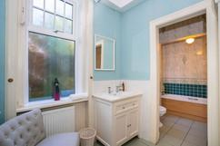 14.bathroom2(3).jpg