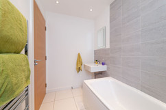 43-Bathroom-03.jpg