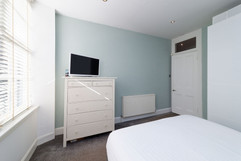 33-Bedroom1-03.jpg