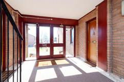 05-Entrance-01.jpg
