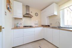 19-Kitchen-01.jpg