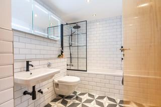 24-BathroomA.jpg