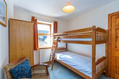 9.bed4(downstairsbed)(2).jpg