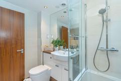 7.bathroom(2).jpg