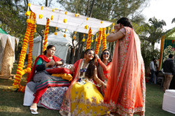 candid wedding photographers -16 best