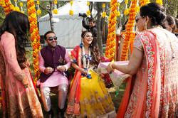 candid wedding photographers -5 best