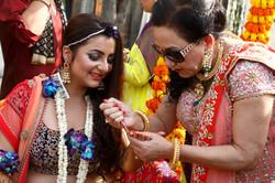 candid wedding photographers -6 best