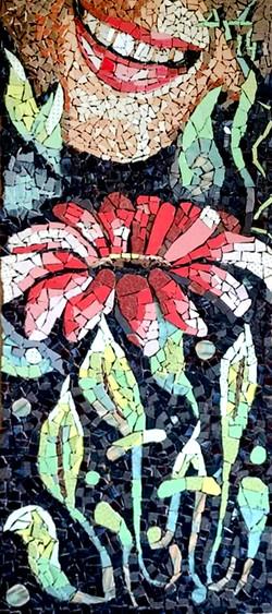 פסיפס פנים ופרח