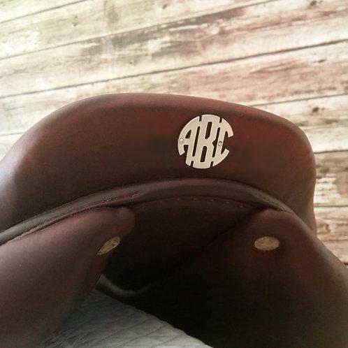 Circle Monogram Saddle Plate*