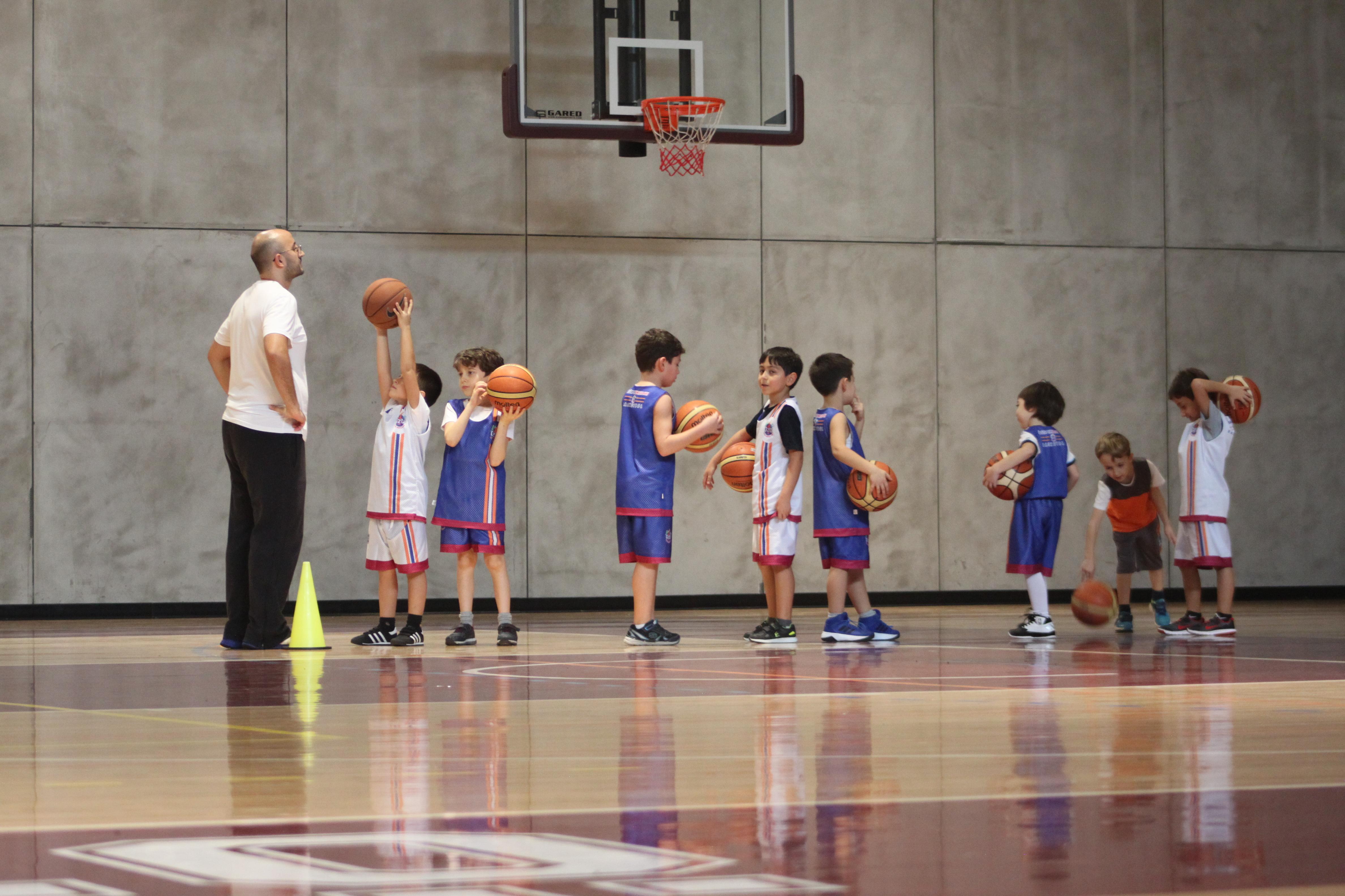 06-16 Yaş Basketbol Okulu