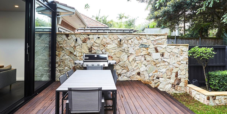 10. View of sandstone side wall.jpg