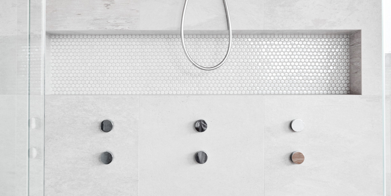 11. View of shower taps.jpg