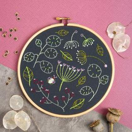 Seed head spray black Embroidery Kit