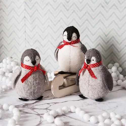 Baby penguins felt kit