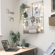 Declutter your desk to reduce stress & boost productivity