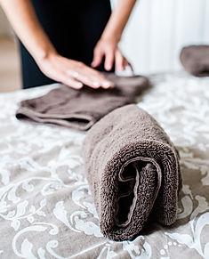 KonMari Consultant Sue Spencer folding t