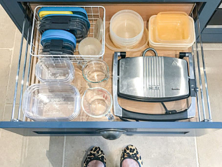 5 Minute Kitchen Organising Tip - Tame Your Tupperware and Plastic Containers!