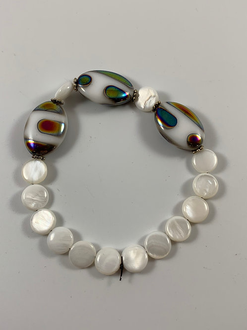 White Mother of pearl with metallic white focal point stretchy bracelet