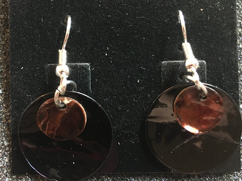 Double capiz shell earrings (black and brown)