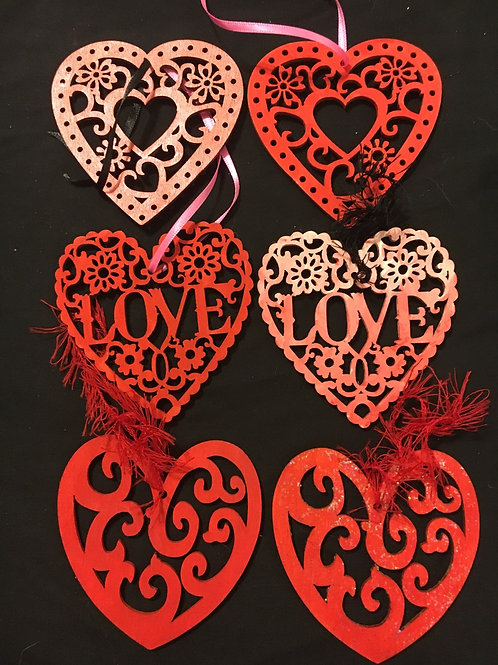 Set of 6 love ornaments/tags