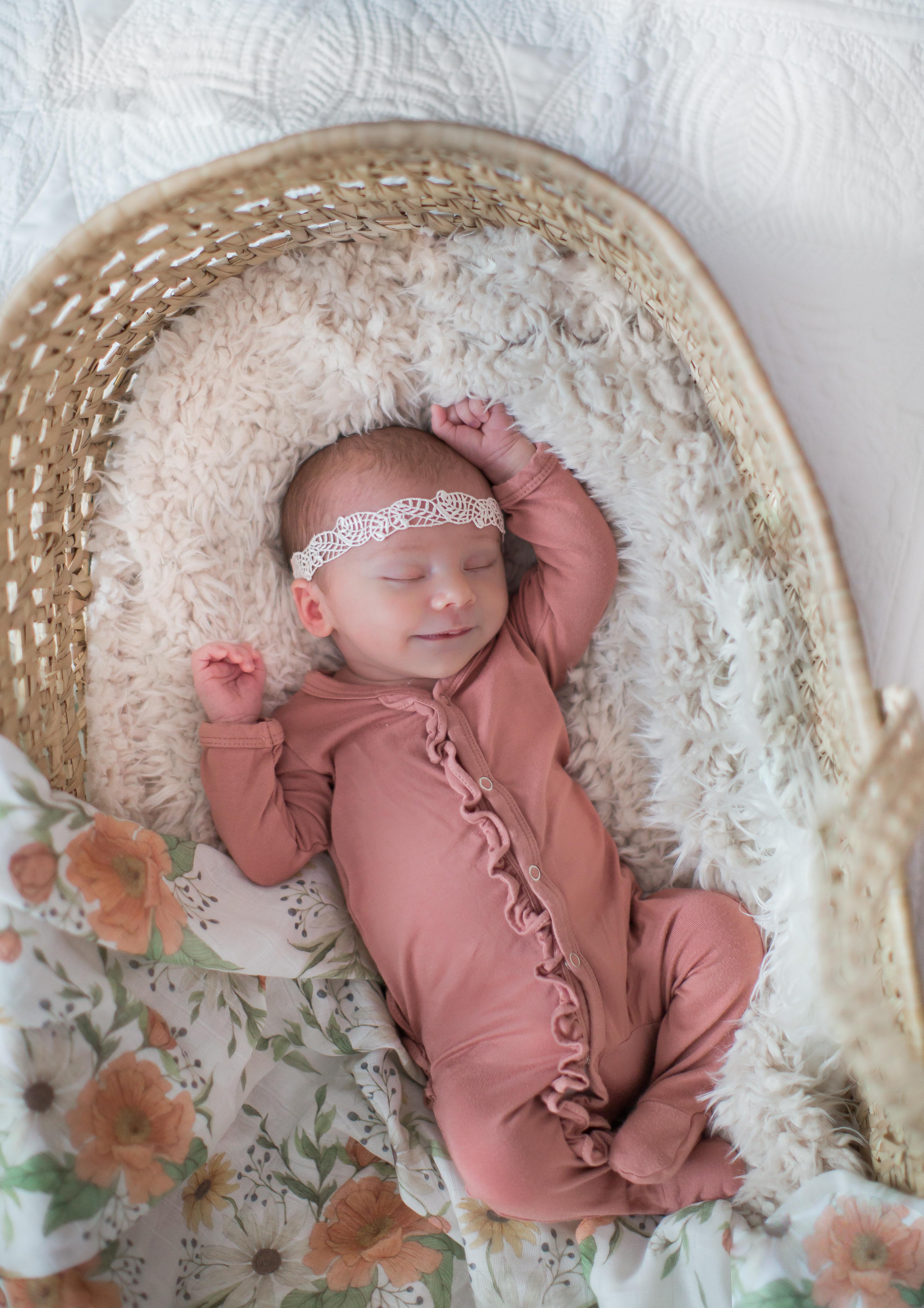 lifestyle newborn photographer tacoma se
