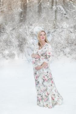Seattle Photographer, Snow maternity, winter maternity, Tiffany Burke Photography