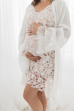 what to wear maternity photo shoot .jpg