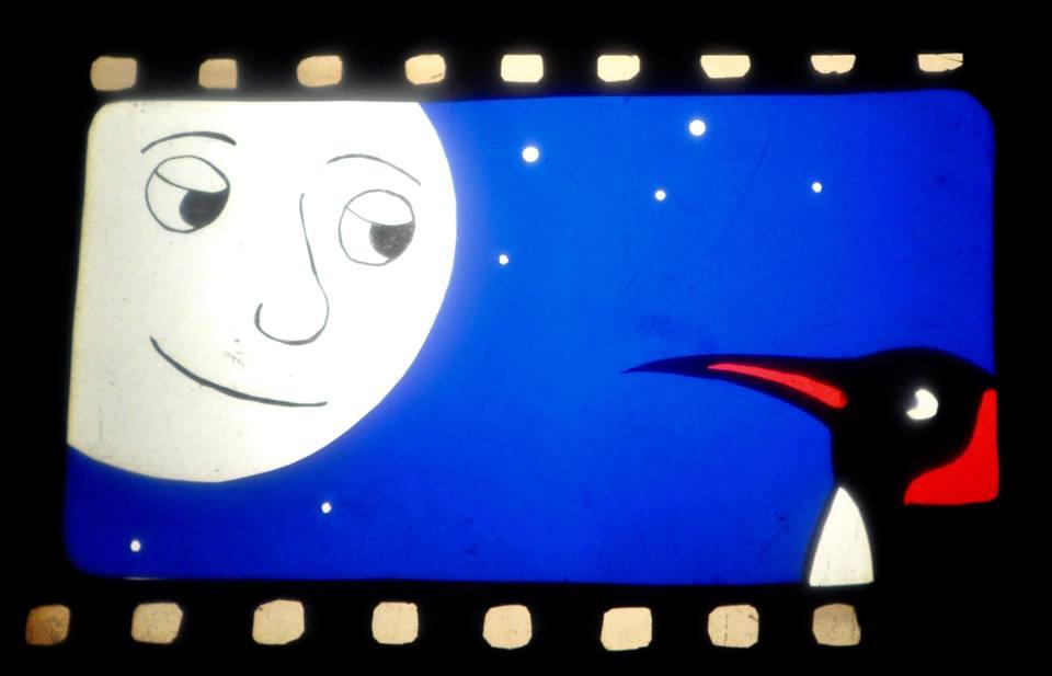 Ernest comme seule présence la lune