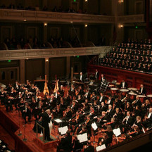 Dr. Waldecker performing with the Nashville Symphony Gala Concert opening the Schermerhorn Symphony Center