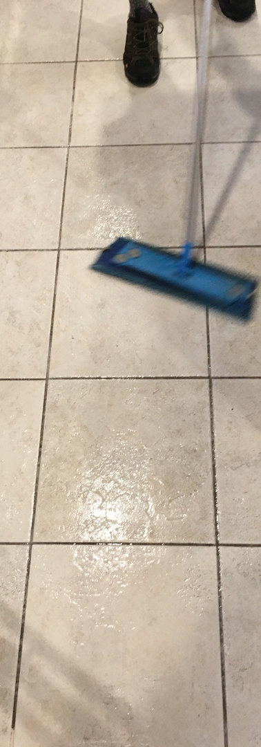 Grout cleaning (Before Pic 1)