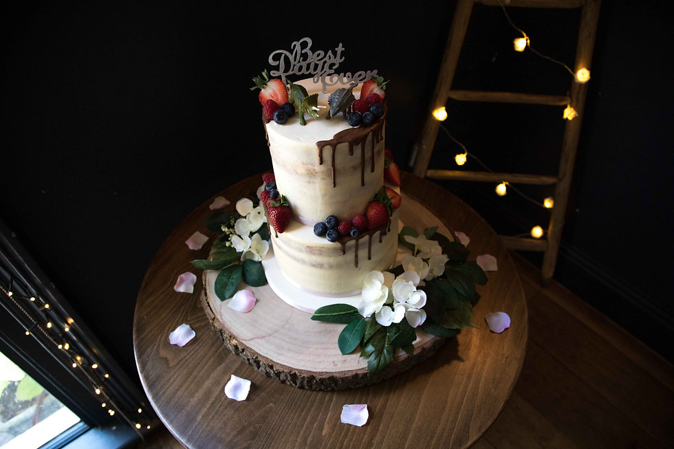 SWeet Norwich uk wedding at the Georgian town house, unthank road. Pic of the cake