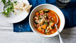 6 healthy_minestrone_soup_64571_16x9