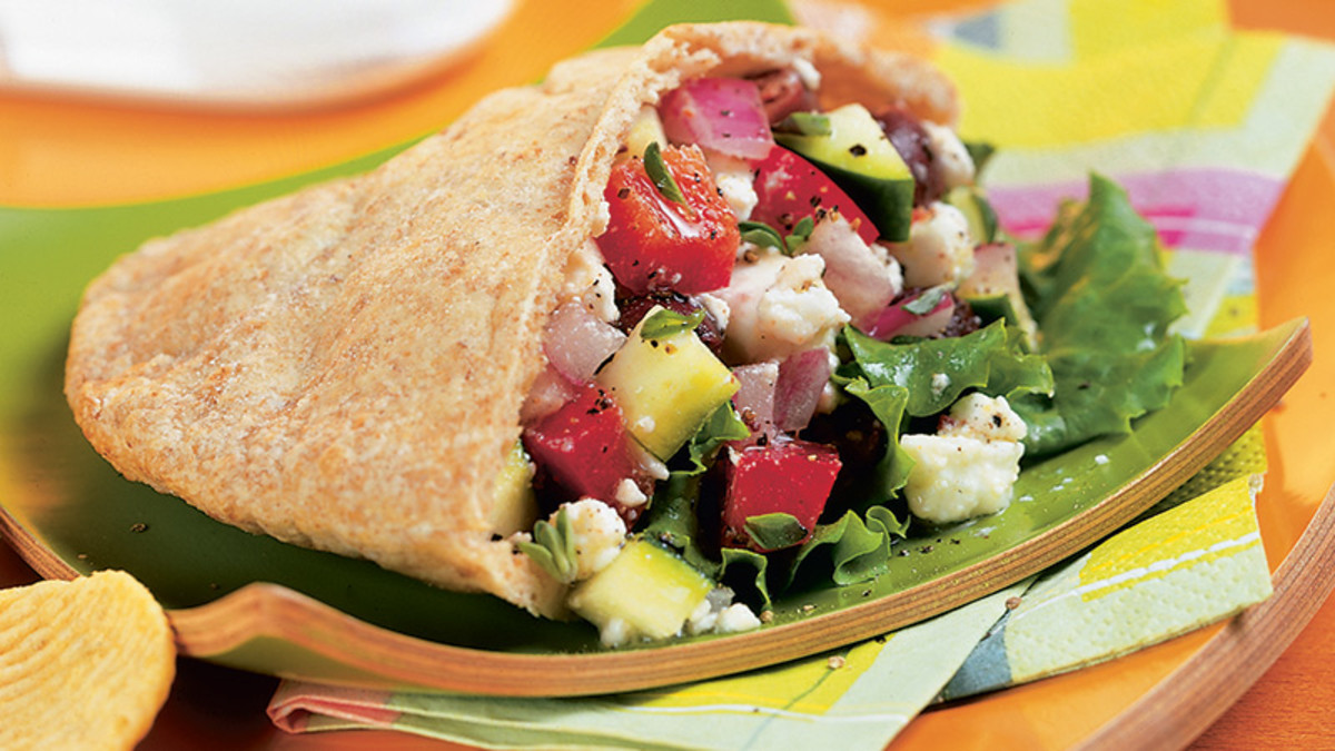 lunch greek salad pitta