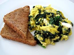 breakfast scrambled egg and spinach