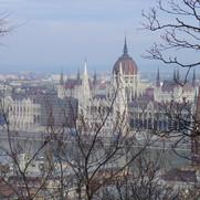 Budapest zicht op parlement vanuit Visse