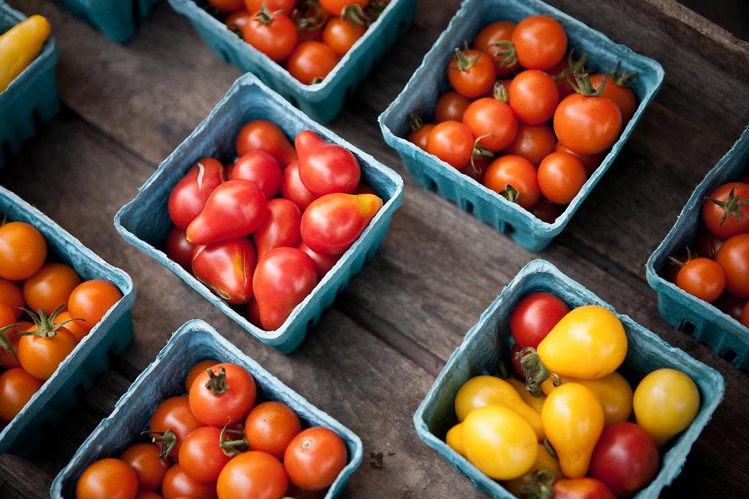 Los tomates cherry en el mercado de los