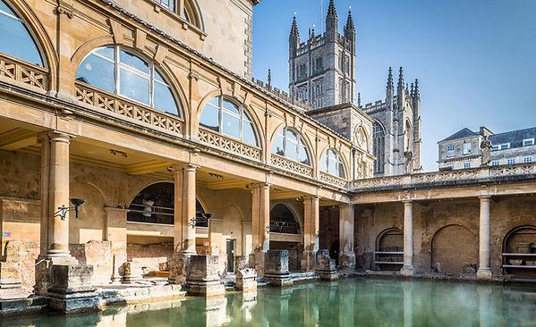 romanbaths-Great-Bath-and-Bath-Abbey.jpeg