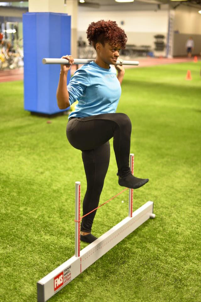 edavvi racing physical therapist arlaina brown athlete doing functional movement screen