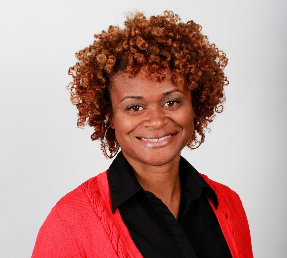 black doctor woman therapist arlaina brown physical therapist