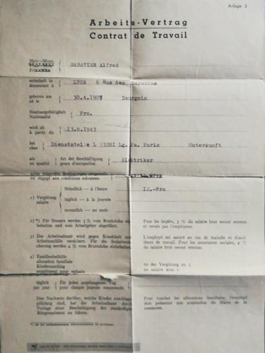 Contrat de travail fourni par l'armée allemande. Recto. Source : archives privées