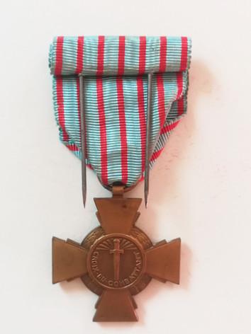 Croix du Combattant décernée à Marthe, l'épouse d'Alfred. Revers. Collection privée.