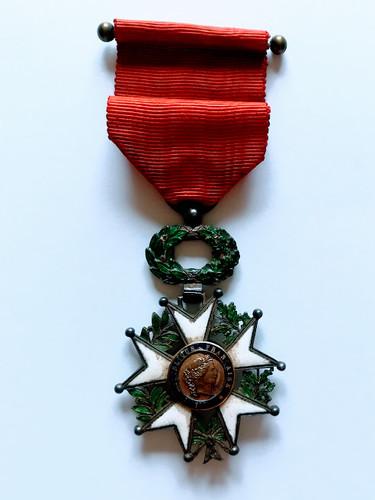 Légion d'Honneur décernée à Alfred Sabatier à titre posthume. Avers.