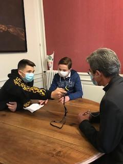 Interview de Monseigneur Bozo par les élèves de quatrième du Sauveur