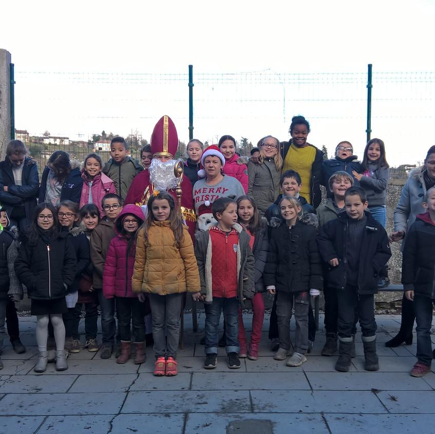 St Nicolas chez les élèves du primaire