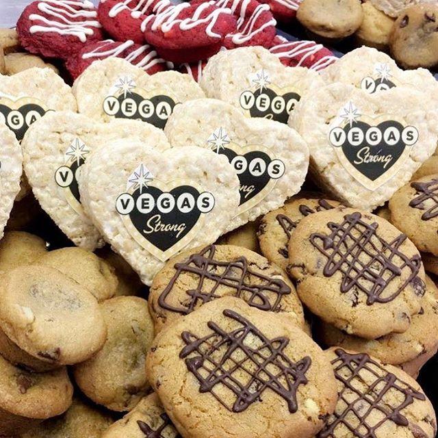 Mini logo cookie tray