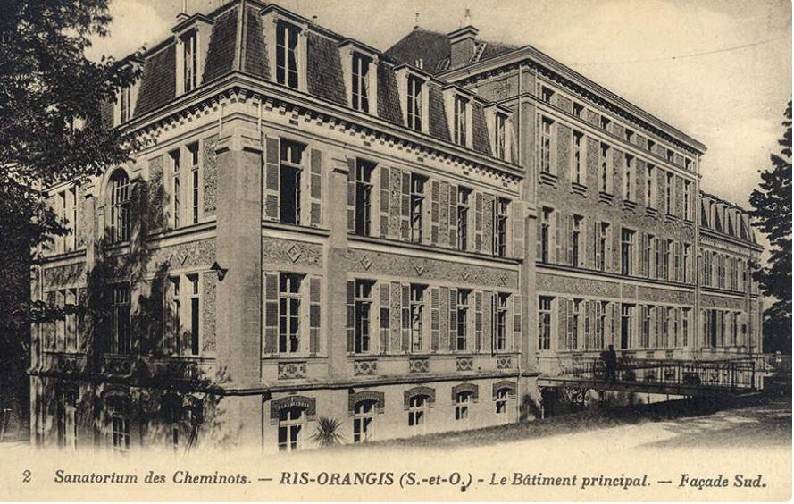 8 - Première réalisation de  l'Œuvre du Sanatorium des Cheminots : le sanatorium de Ris-Orangis aménagé en 1922-1929.